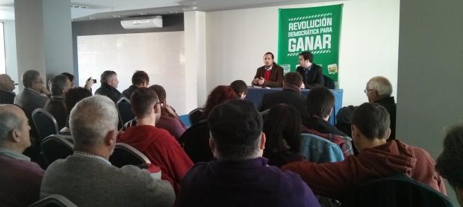 Un centenar de personas del conglomerado asociativo rinconero acuden al encuentro con Alberto Garzón para trasladar sus necesidades y reivindicaciones