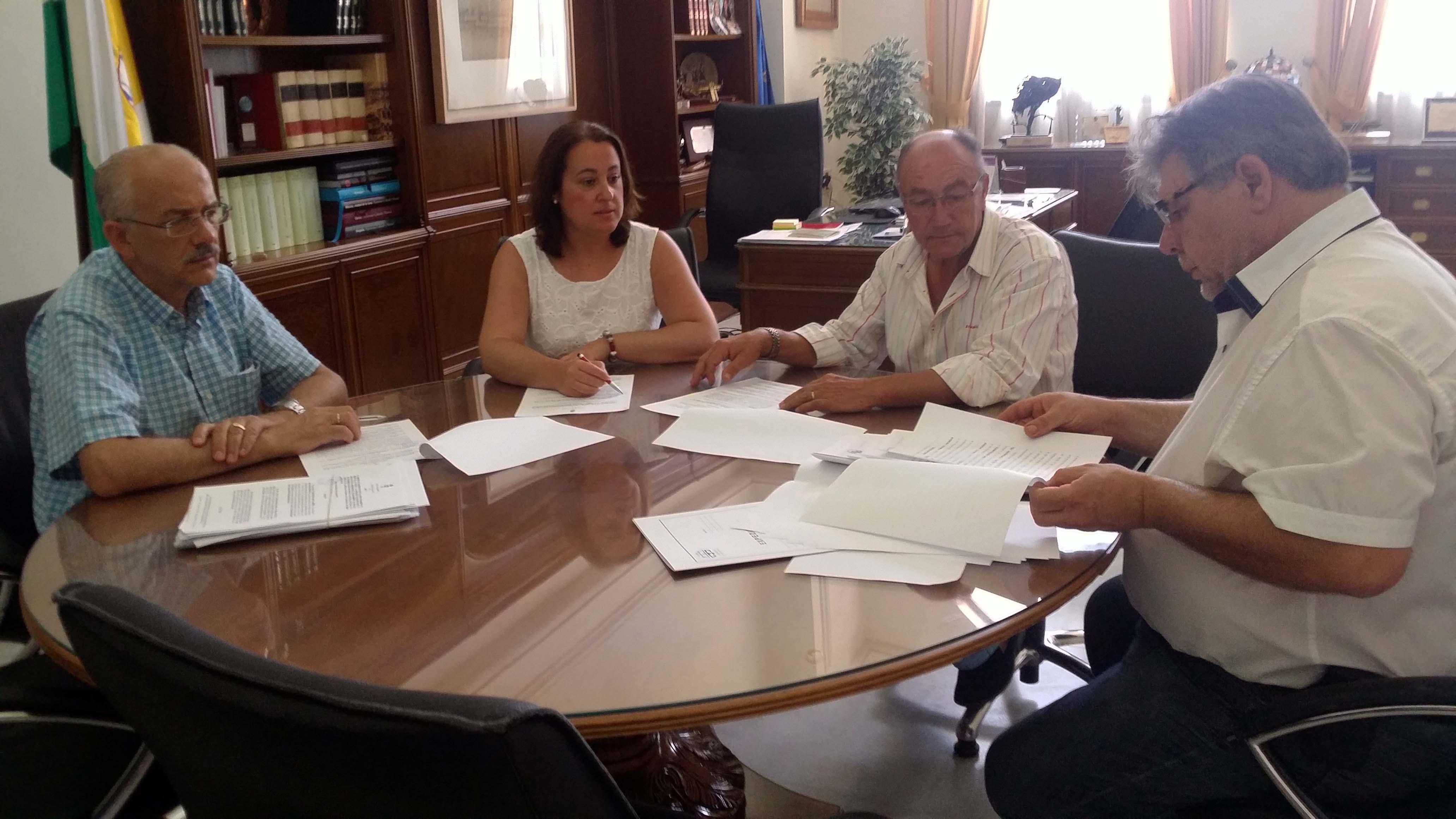 El equipo de Gobierno crea una bolsa de aparcamiento público para unos 200 vehículos en el centro de Rincón