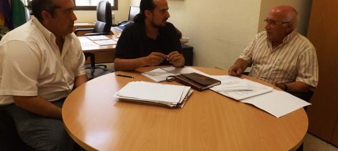 Comercio se reúne con FECOAMVA para potenciar el mercadillo local a través de un Plan Estratégico